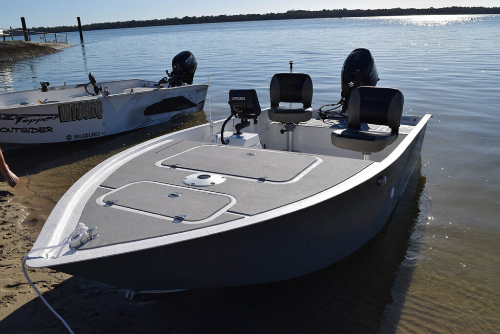 Fibreglass boats sports fishing boats enlightened for Sport fishing boats
